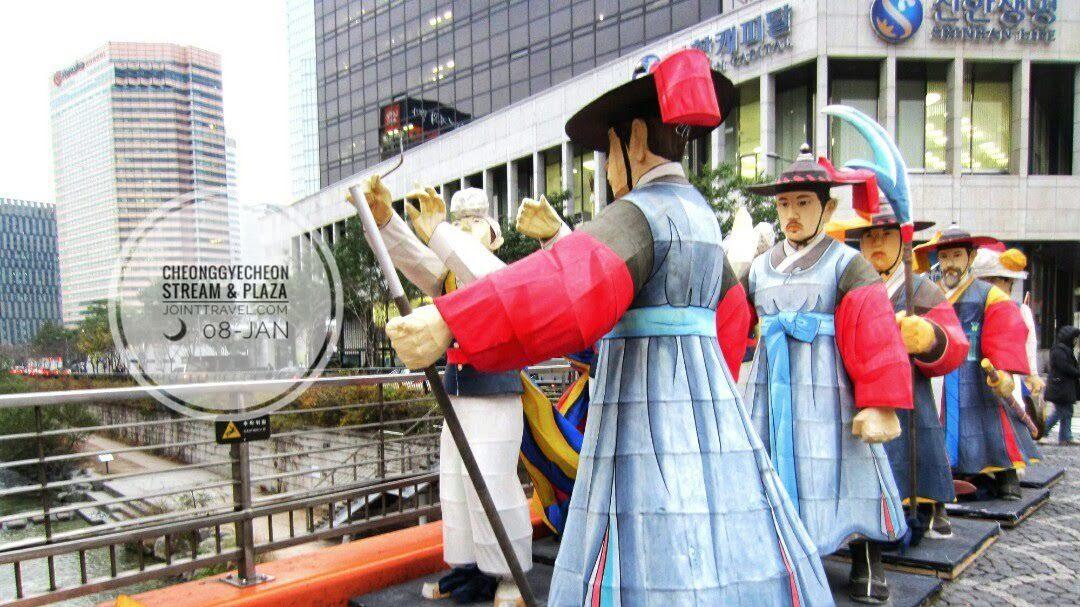 Cheonggyecheon Stream (청계천)