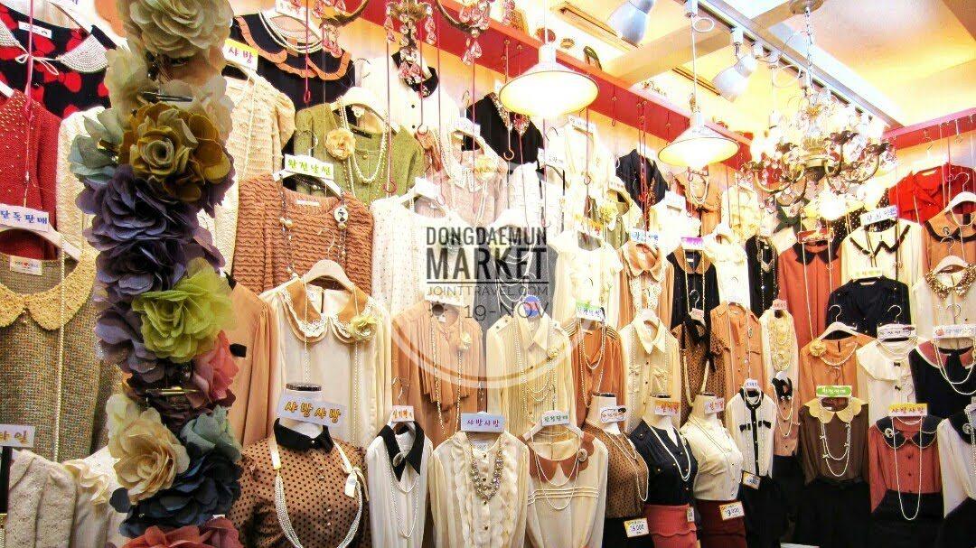 Dongdaemun Market (동대문 시장)